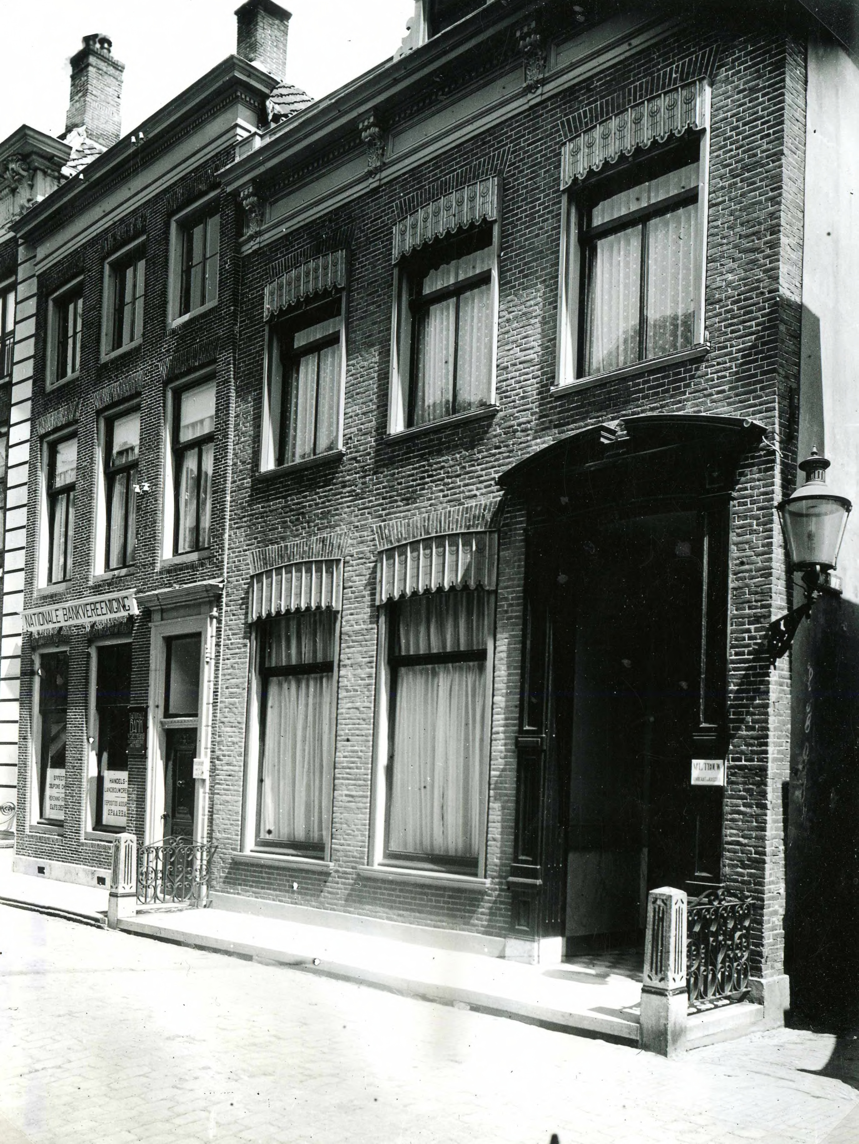 Nobelstraat 11 en 13 in 1939.jpg